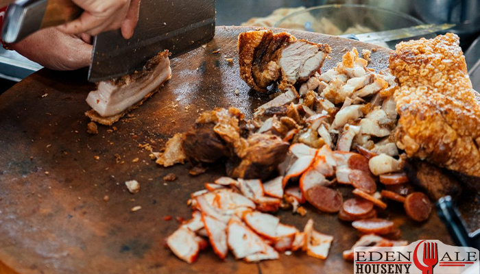 ร้านสุณีข้าวหมูแดง ริมสถานีรถไฟ ตลาดพลูedenalehousenyร้านอาหาร