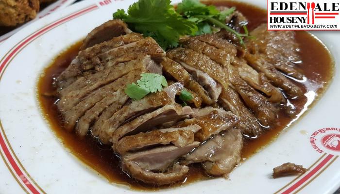 ฉั่วคิมเฮง พัฒนาการ เมนูขึ้นชื่อของที่นี่จะเป็นจำพวกเนื้อตุ๋นค่ะ ไม่ว่าจะเป็นเนื้อเป็ด เนื้อไก่ เสิร์ฟมาพร้อมกับน้ำพะโล้ออกรสเค็มหวานนิดหน่อย ที่อร่อยลงตัว